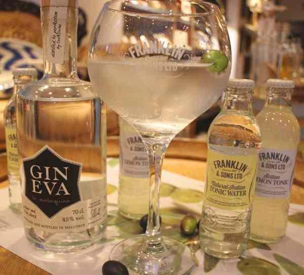 GIN EVA Gin Tonic