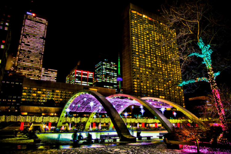 Christmas In Toronto Canada.Top 10 Christmas Vacation Experiences In Canada