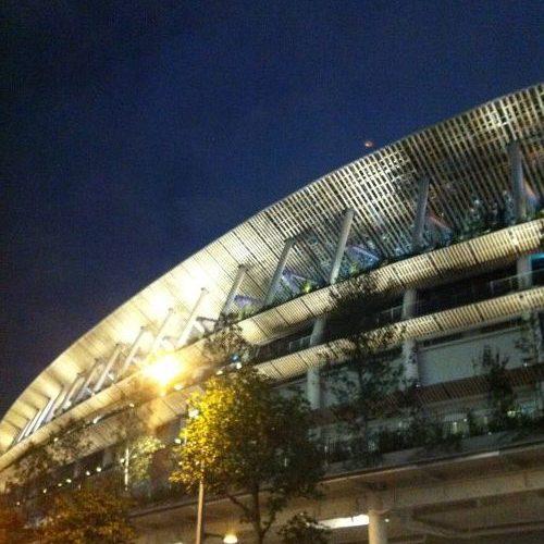 夜の国立競技場
