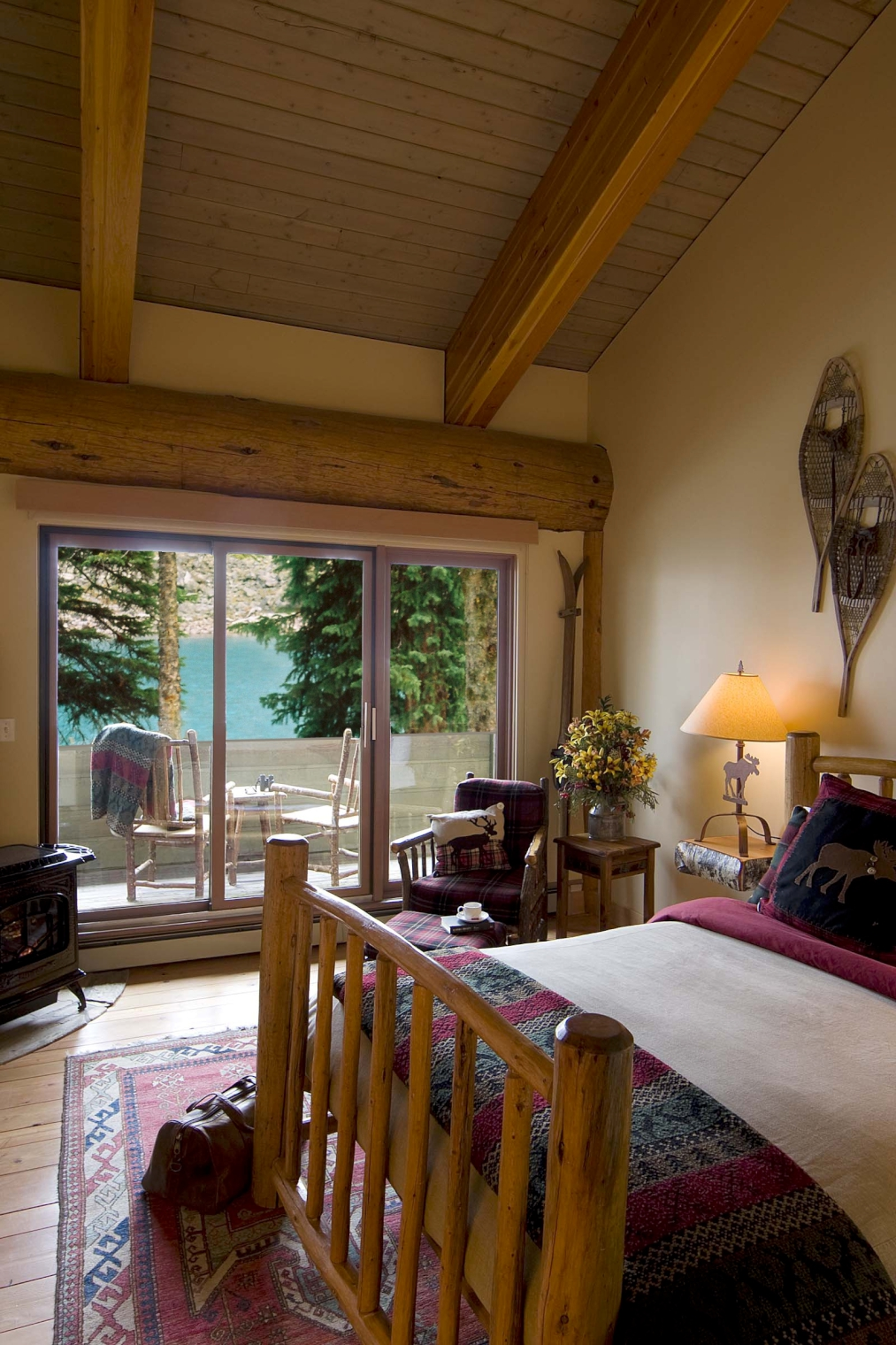 Moraine Lake Lodge Lake Louise Canadian Affair