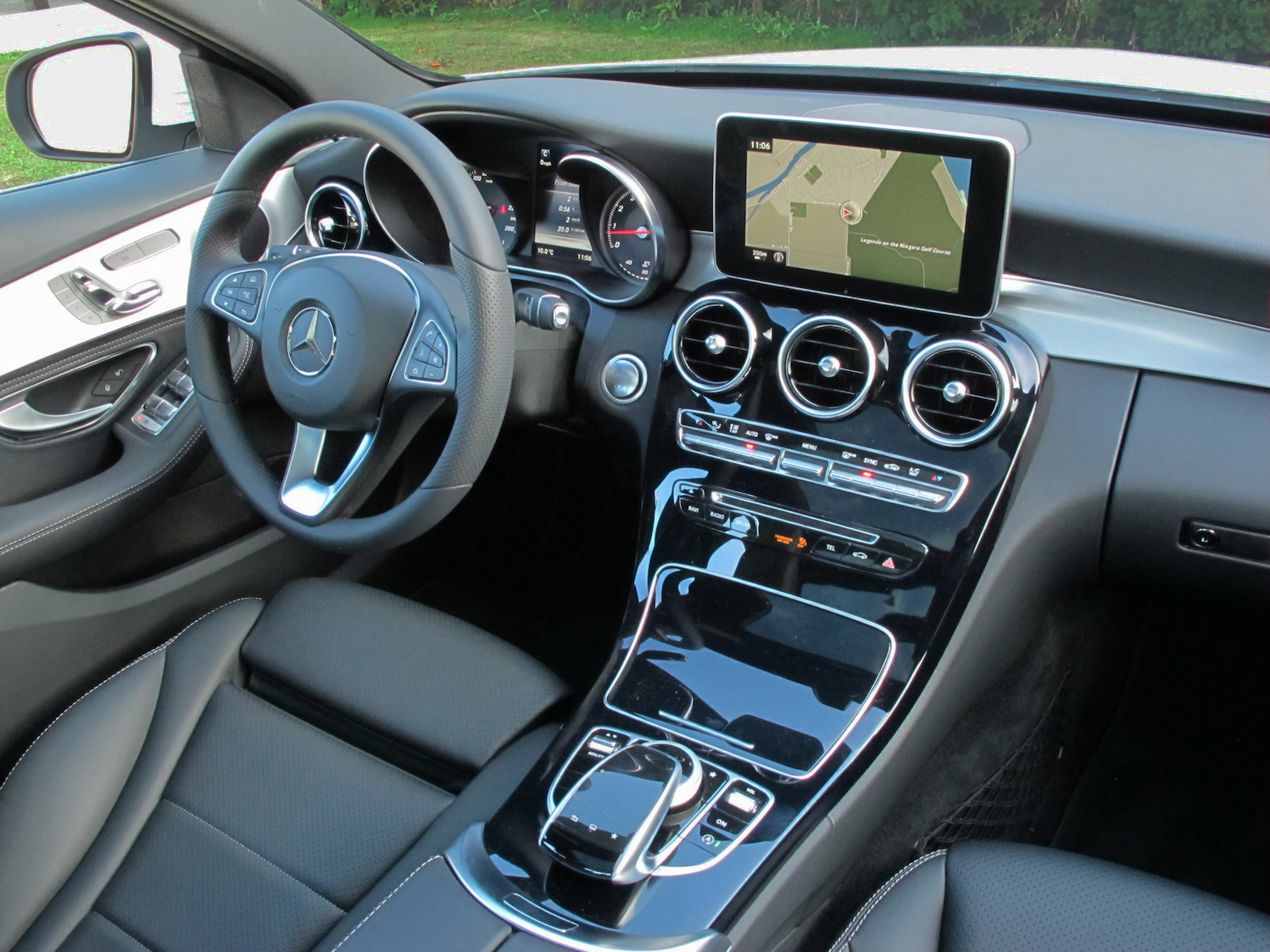 Review 2015 Mercedes Benz C300 4MATIC Canadian Auto Review