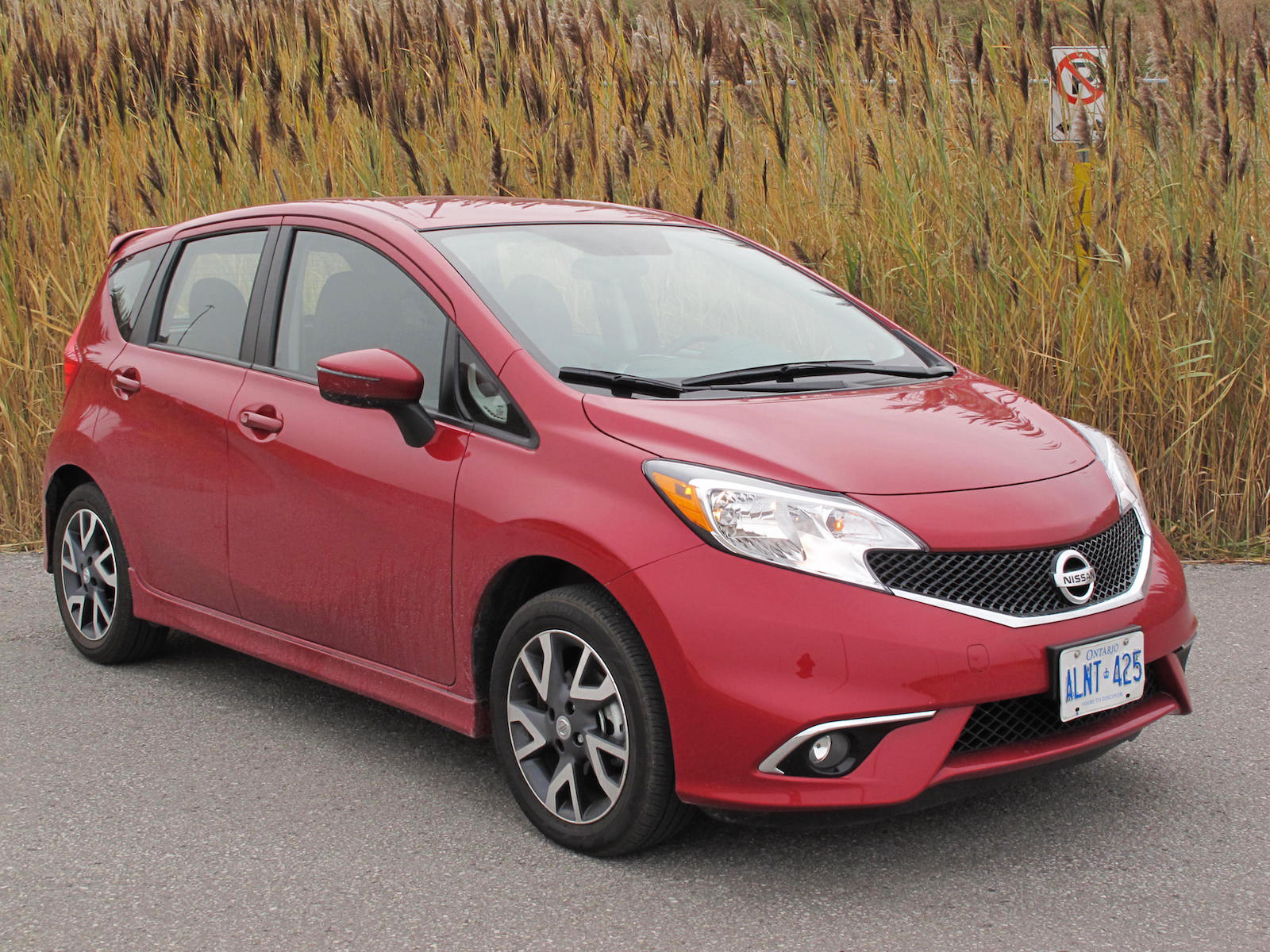 Review: 2015 Nissan Versa Note SR | Canadian Auto Review