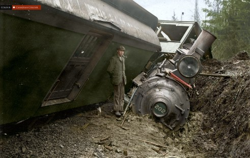 GNR Wreck - 1905 - Colourized Photograph