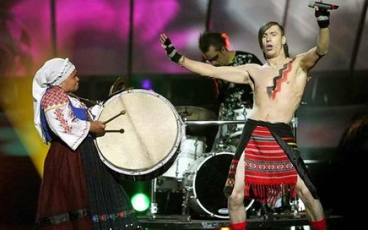 Bunica cu toba, prezenţă memorabilă în istoria Eurovisionului | CANAL3.MD