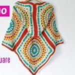 Poncho con capucha a tejido a crochet