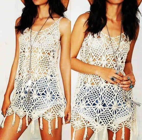 Vestido corto de playa con flecos