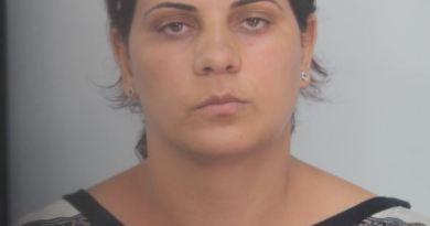 Avola: Donna arrestata per il furto di 23 confezioni di Parmigiano Reggiano