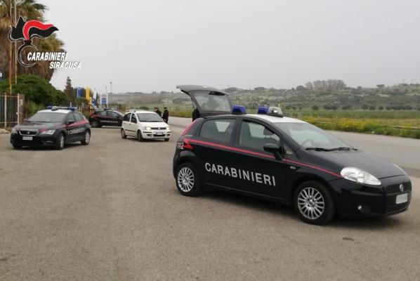 Controlli a tappeto dei Carabinieri durante le festività natalizie