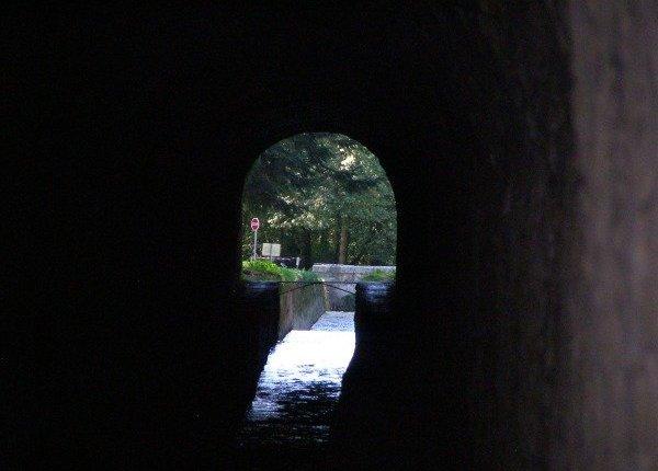 Sortie Voûte Vauban Les Cammazes Canalfriends musée canal du Midi randonnée à pied vélo camping restaurant