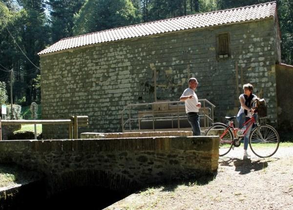 Rigole de la montagne Canal du Midi Vauban randonnée pied vélo camping canalfriends Acampo