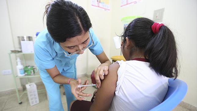 Conoce cómo programar las vacunas pendientes de los chicos sin exponerlos al COVID-19