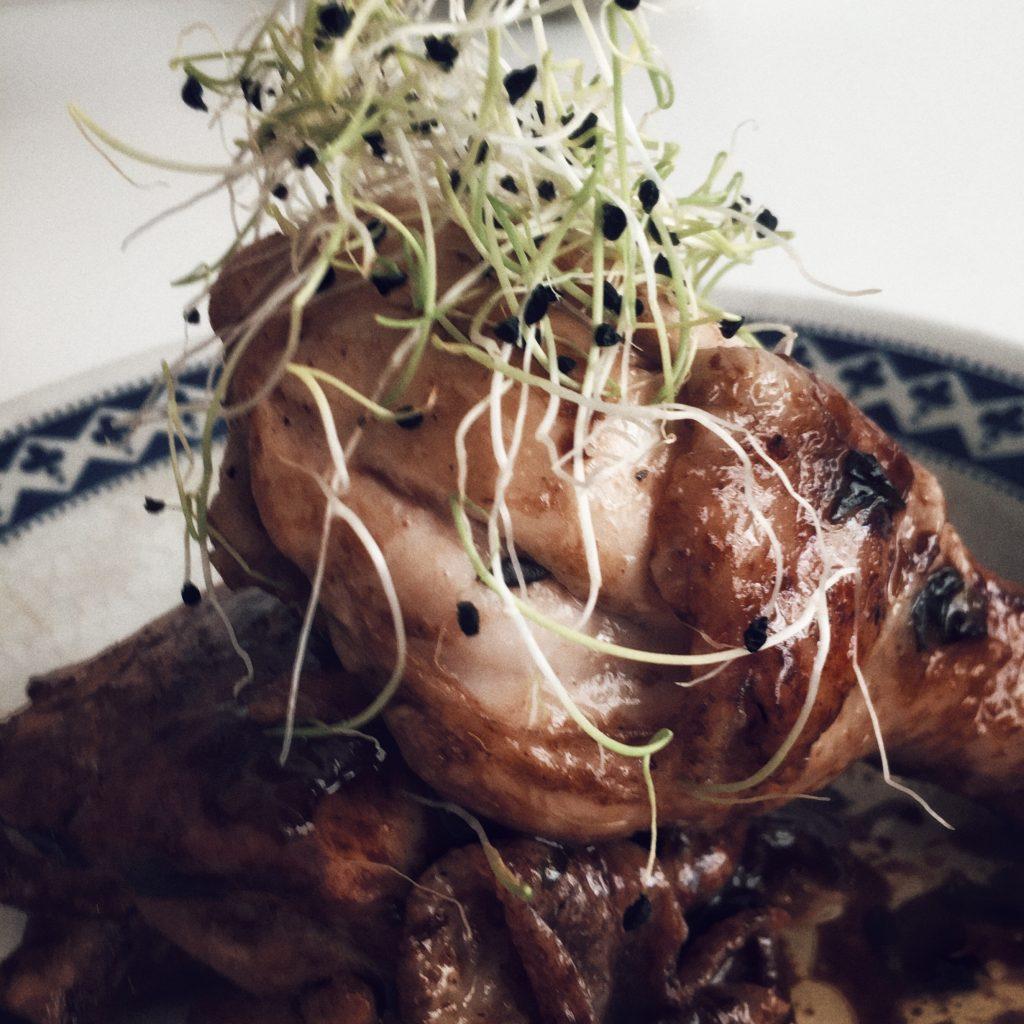 Pollo al vinagre de Modena, tomillo y lima
