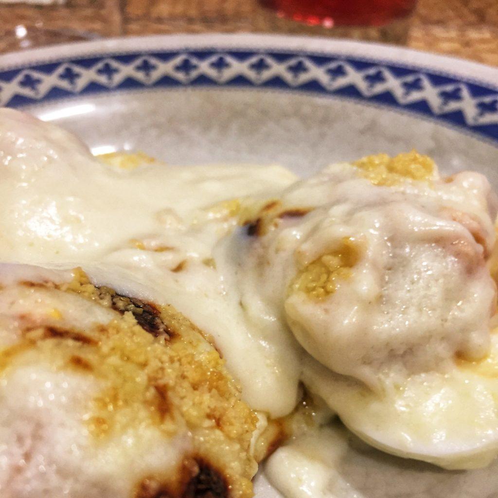Los huevos rellenos al horno