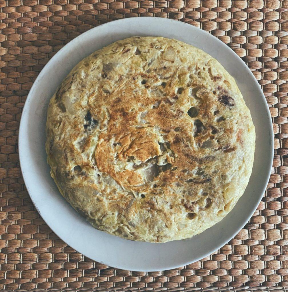 RECETAS PARA FRENAR LA CURVA: La tortilla española de Schrödinger con y sin cebolla al mismo tiempo