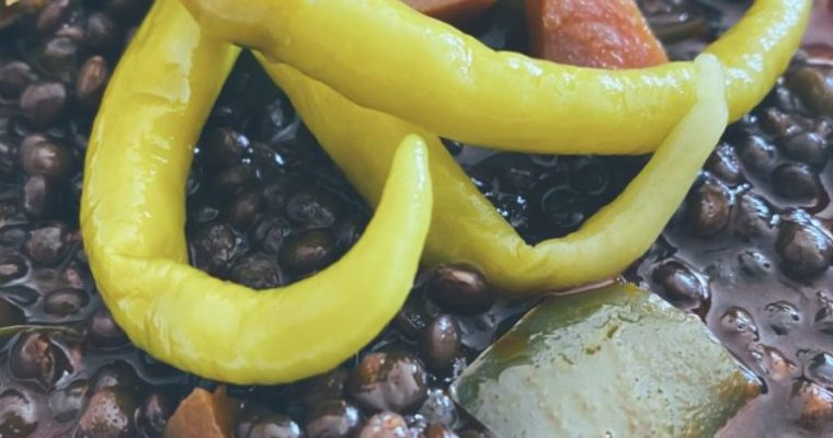 Las lentejas beluga guisadas con verduras
