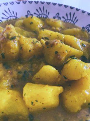 Las patatas en ajopollo