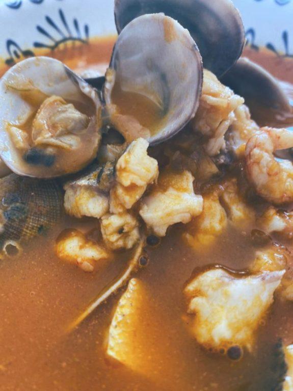 La sopa de gambas y almejas