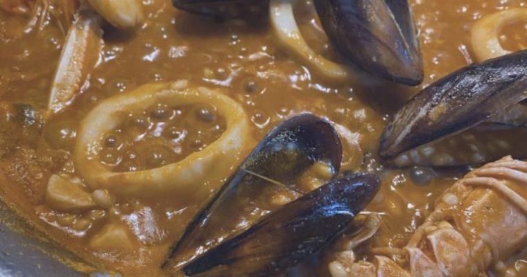 El arroz de mariscos varios