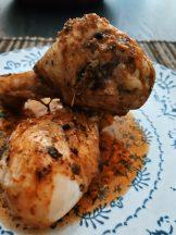 Los muslos de pollo asados