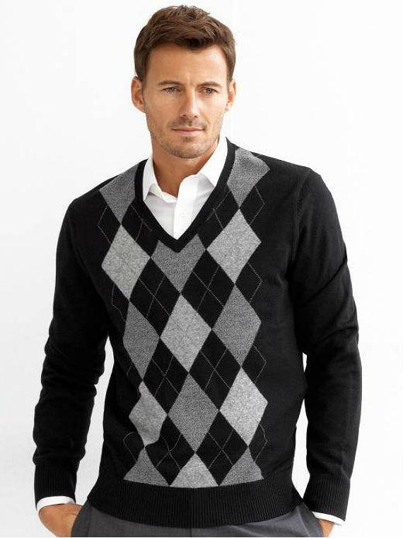 Roupas essenciais para o homem no inverno canal masculino for Mens sweater collared shirt