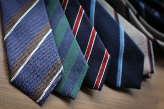 guarda_roupas_basico_masculino_gravatas