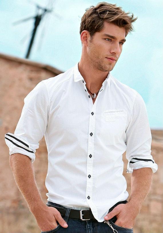 b4ce36fa7b É quase uma obrigação do homem estar eternamente atrás da camisa perfeita
