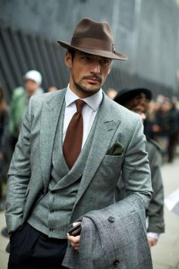 2918304946798 Muitas roupas começam como peças masculinas e depois invadem o guarda roupa  feminino