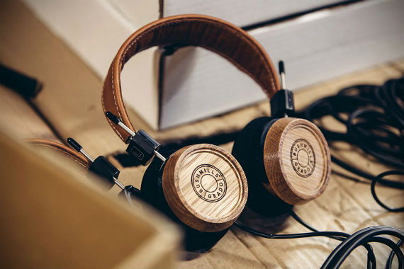 bushmills_grado_headphone_elijah_wood_ft04