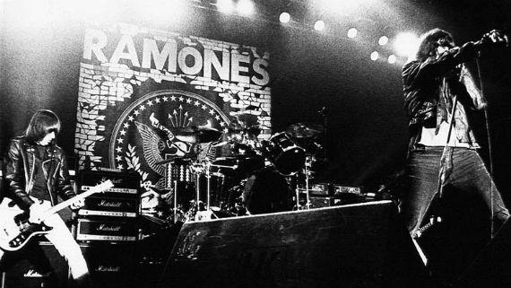 ramones-show-palco-logo