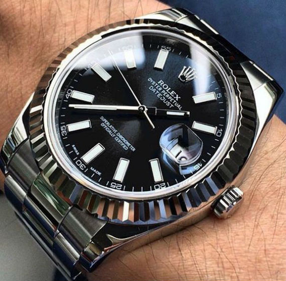 Vídeo: Como Identificar Um Rolex Falso
