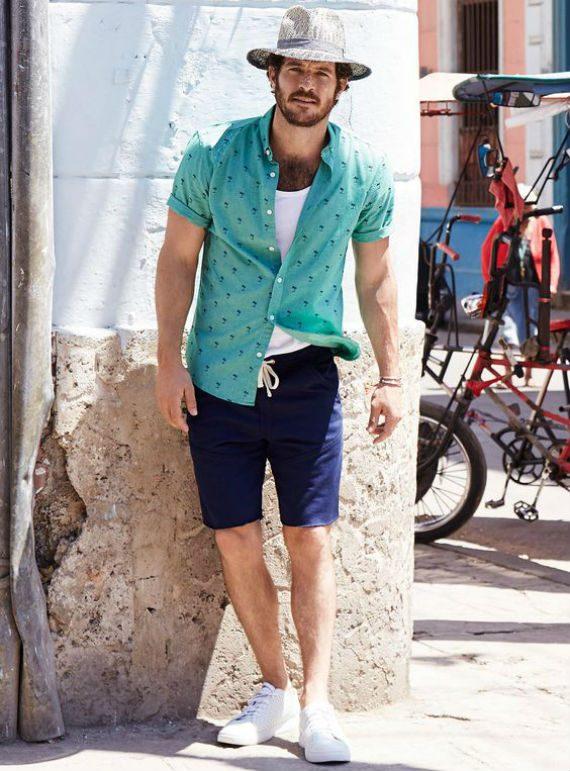 O Look Certo: Turista Com Estilo - Camisa, bermuda e tênis