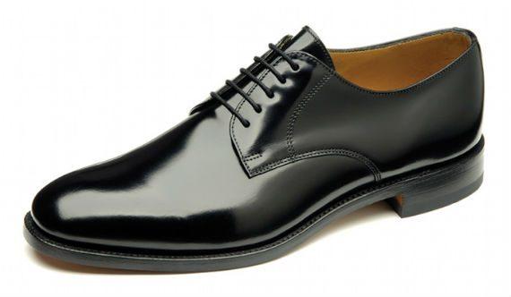 Sapato derby: open lacing