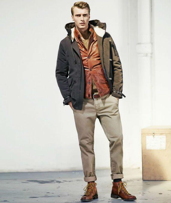 Look masculino usando hiking boots