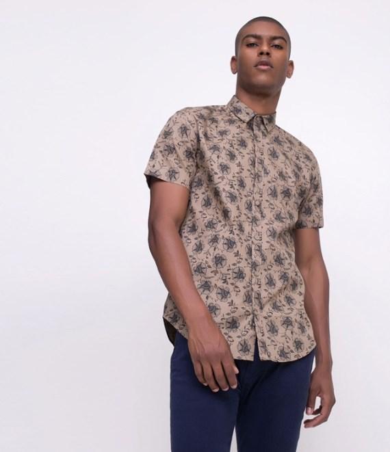 fb7e3223b15e8 Compras  12 Camisas com Estampa Floral Para Usar no Verão - Canal ...