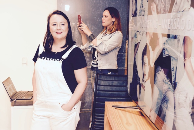 Marina Kadooka falando sobre e marca no Lab Levi's