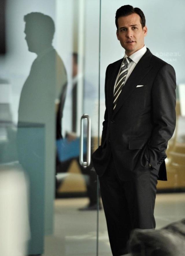 Harvey Specter - paletó fenda dupla
