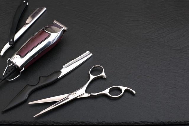 Máquina ou Tesoura? O Que é Melhor Para Seu Corte de Cabelo?