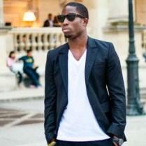 look-blazer-camiseta-gola-v-04