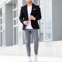 look-blazer-camiseta-gola-v-06
