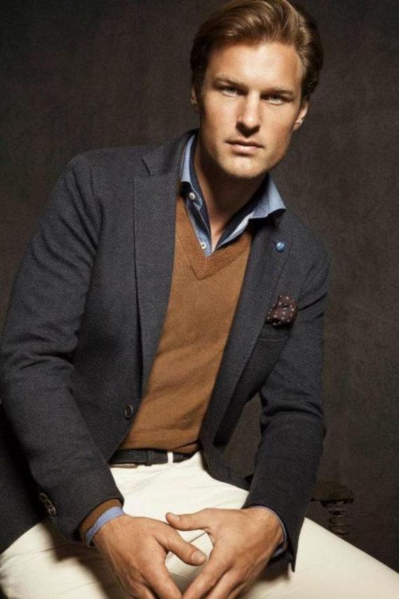 Combinações de Cores: Cinza e Caramelo em Looks Masculinos