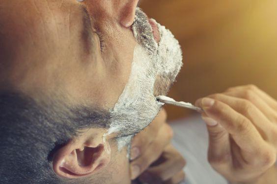 Vídeo: Como se Barbear Com a Navalha