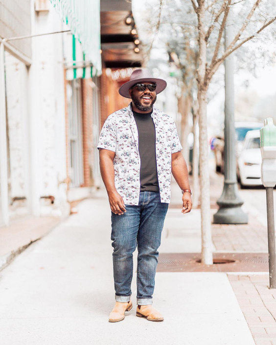 15 Looks de Moda Masculina Plus Size Para o Verão