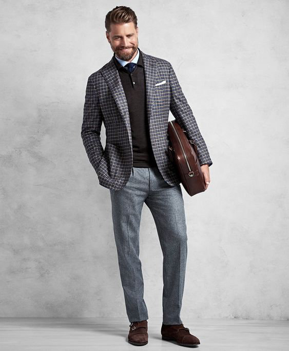 O Look Certo: Com Blazer de Xadrez Miúdo no Trabalho