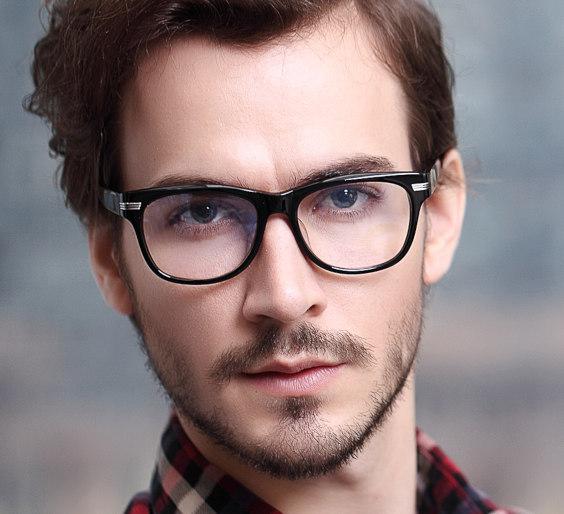 Tipp für die Auswahl einer Brille: Harmonie ist der Schlüssel