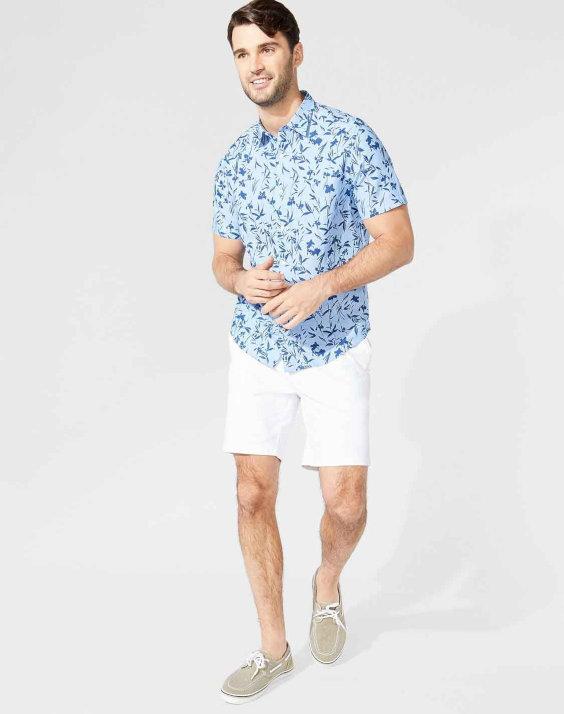 Camisa floral de linho com caimento mais solto