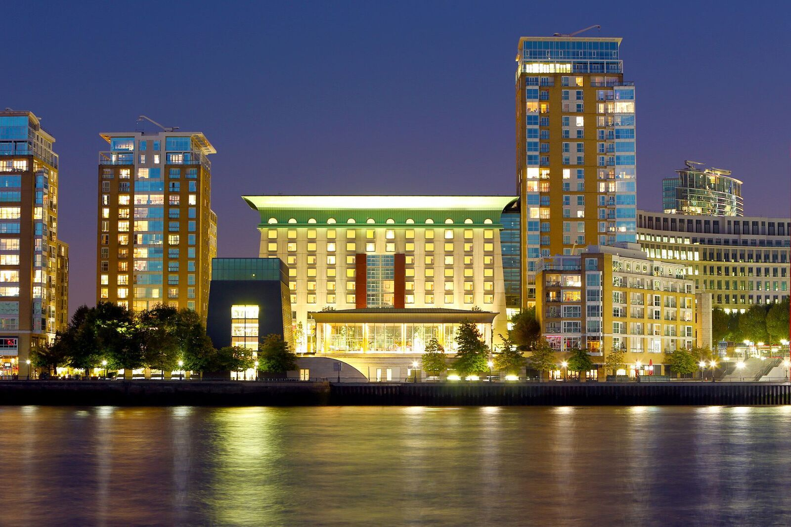 The Hotel Canary Riverside Plaza Hotel