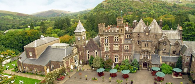 Wedding Venues South Wales Our Top 18 Onefabday Com Uk Outside Garden