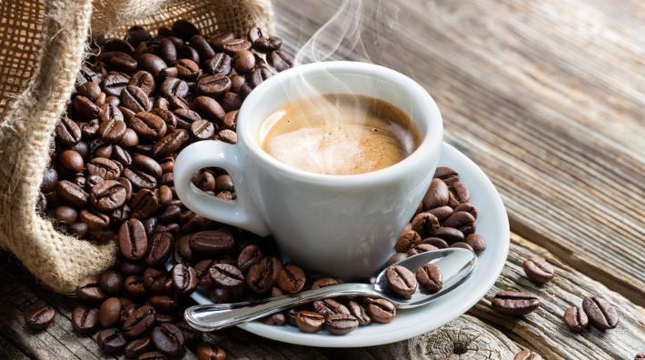 Beba café después del desayuno, no antes, para un mejor control metabólico