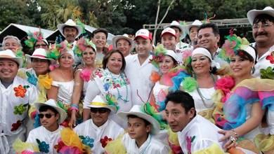Photo of Borge asiste a Cozumel a la presentación de comparsas