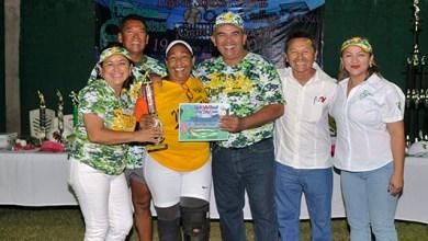 Photo of Eric Castillo inaugura la liga de softbol femenil